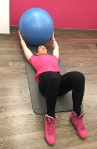 abdominaux avec ballon de gym